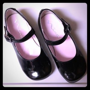 US toddler size 6 black patent leather shoes